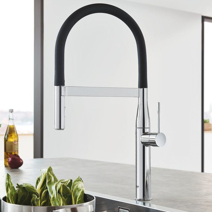Essence Single Handle Kitchen Faucet With Silkmove Contemporary