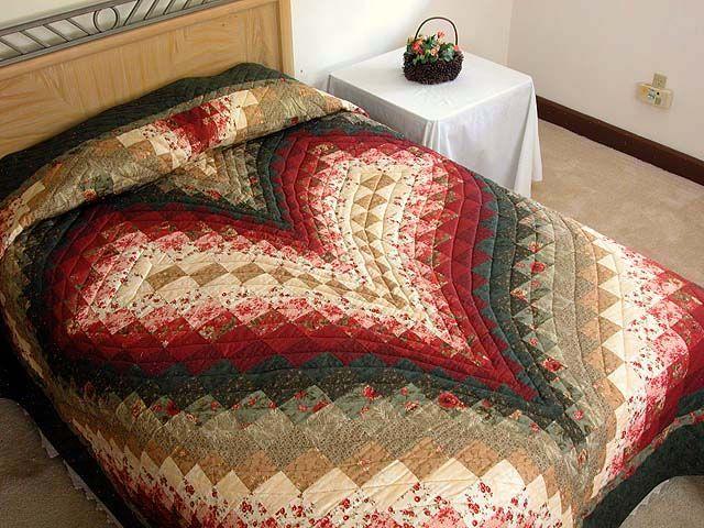 Free Bargello Heart Quilt Pattern | Dark Green Brick and Tan Bargello Heart Quilt