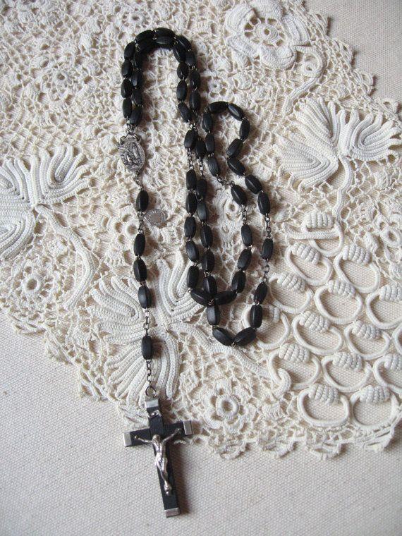 Chapelet perles en bois noir / Rosaire de Lourdes / par LMsoVintage
