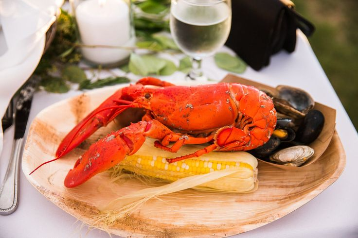 Maine lobster served at your wedding .. it doesn't get any better than that!
