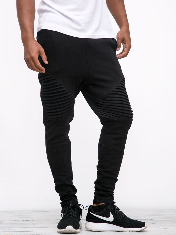 https://www.urbancity.pl/spodnie-urban-classics-pleat-sweatpants-black-tb1415-on-5-k-64259-p