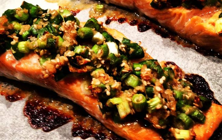 Shallot, Ginger and Sesame Crusted Salmon #justeatrealfood #theshrinkinghubby