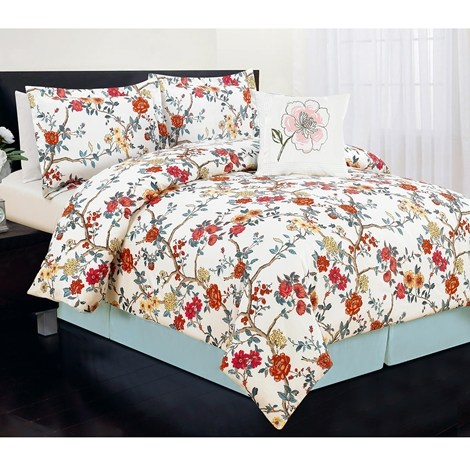 Comforter & matching shams. Bedskirt (not so much or the toss pillow) they don't match at all.