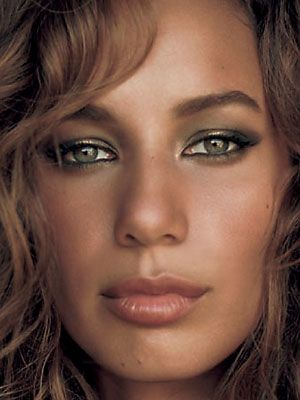 Leona Lewis ..............green eyes