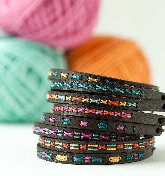 Kit de bordado bricolaje pulsera de brazalete por RedGateStitchery