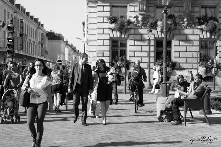 Sortie de mariage civile à la mairie Place Jean Jaurès à Tours