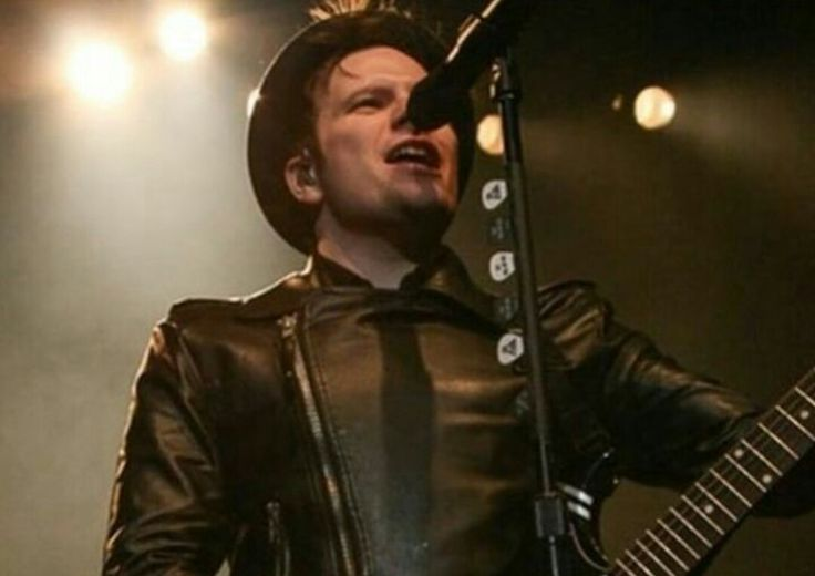 99.9% sure this is from my first fob show..luv u patrick