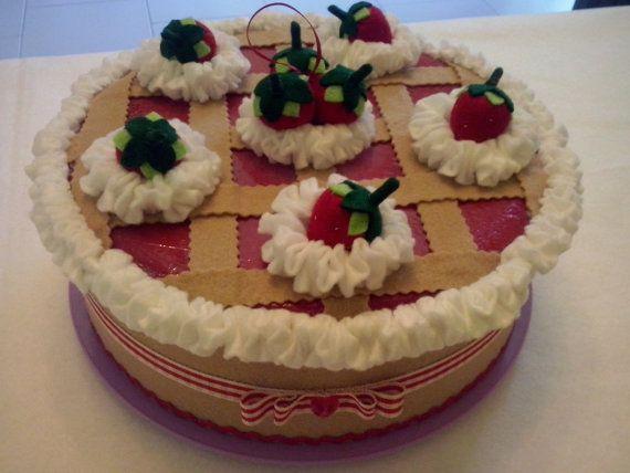Porta torta in feltro, panna e fragole, copri torta, cucina, regalo, mamma, crostata.