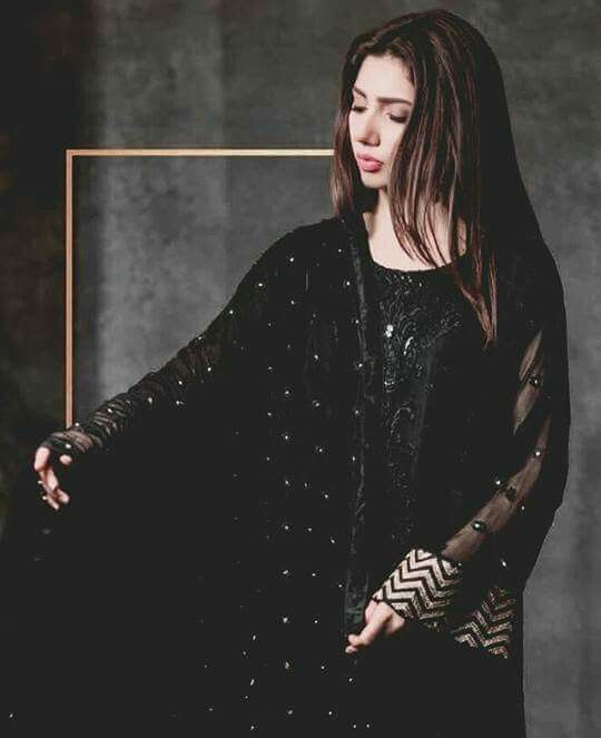 Mahira Khan in Alkaram