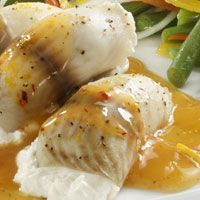 Filete de pescado con salsa de chipotle y naranja