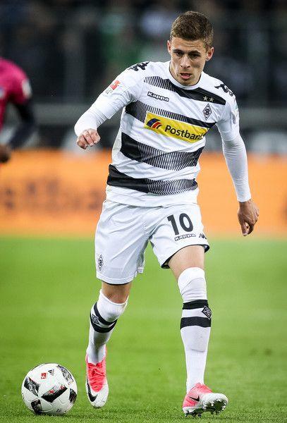 Thorgan Hazard of Moenchengladbach controls the ball during the Bundesliga match between Borussia Moenchengladbach and Hertha BSC at Borussia-Park on April 5, 2017 in Moenchengladbach, Germany.