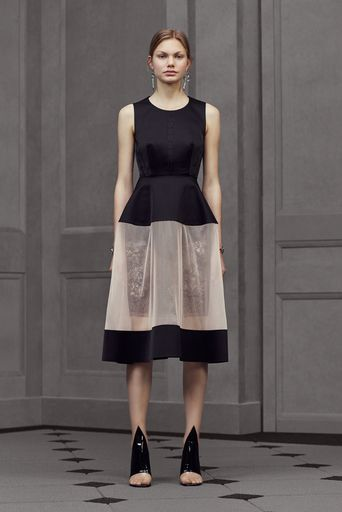 2016リゾートコレクション - バレンシアガ(BALENCIAGA)ランウェイ コレクション(ファッションショー) VOGUE