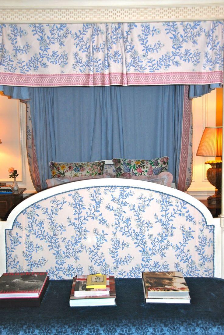 452 best designer charlotte moss images on pinterest charlotte bed in blue and white charlotte moss
