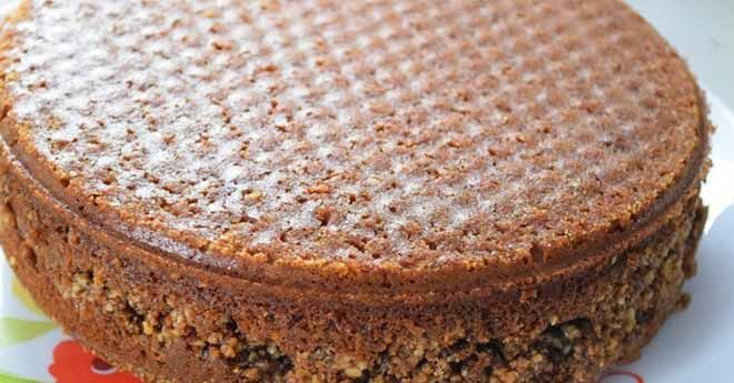 В десерте используется большое количество орехов — вкусного и калорийного…
