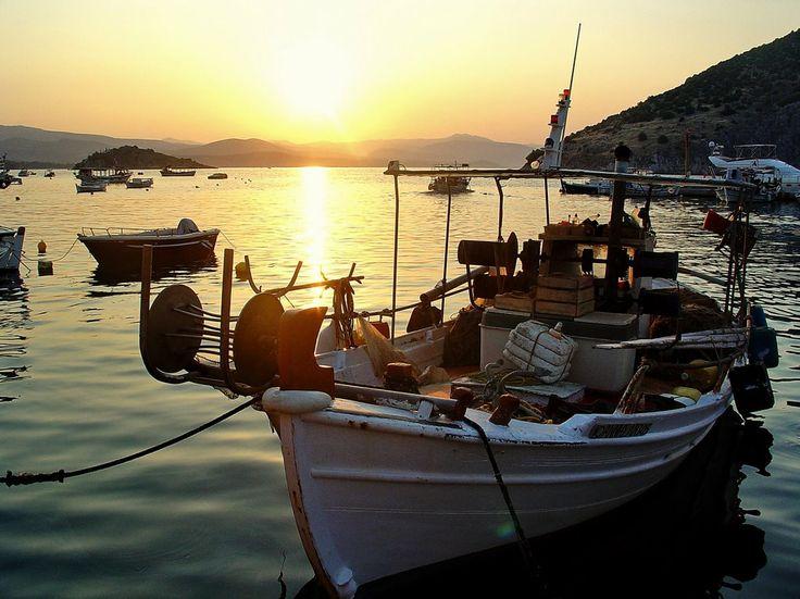sunrise in little port of tolo