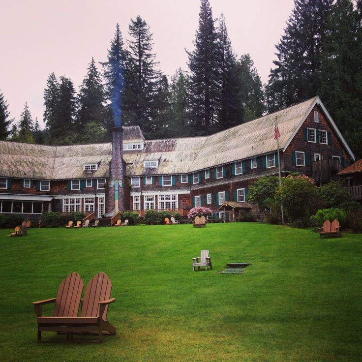 An amazing trip to the Olympic National Forest in Washington State! I stayed at the Lake Quinault Lodge and explored the temperate rainforest. Magical....
