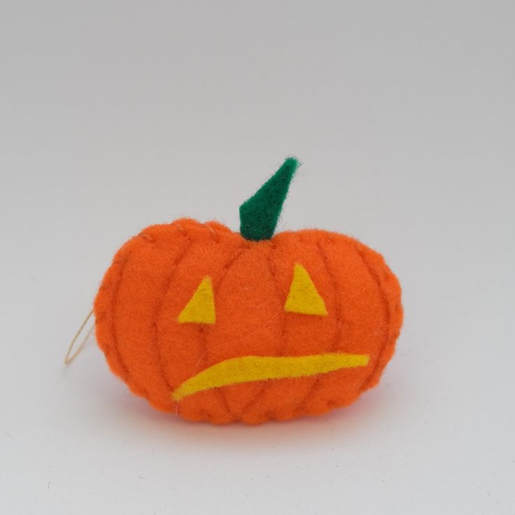 Shaky pumpkin - halloween decor, trick or treat, scary, horror, spooky, halloween decoration, cute. by HalloweenOrChristmas on Etsy