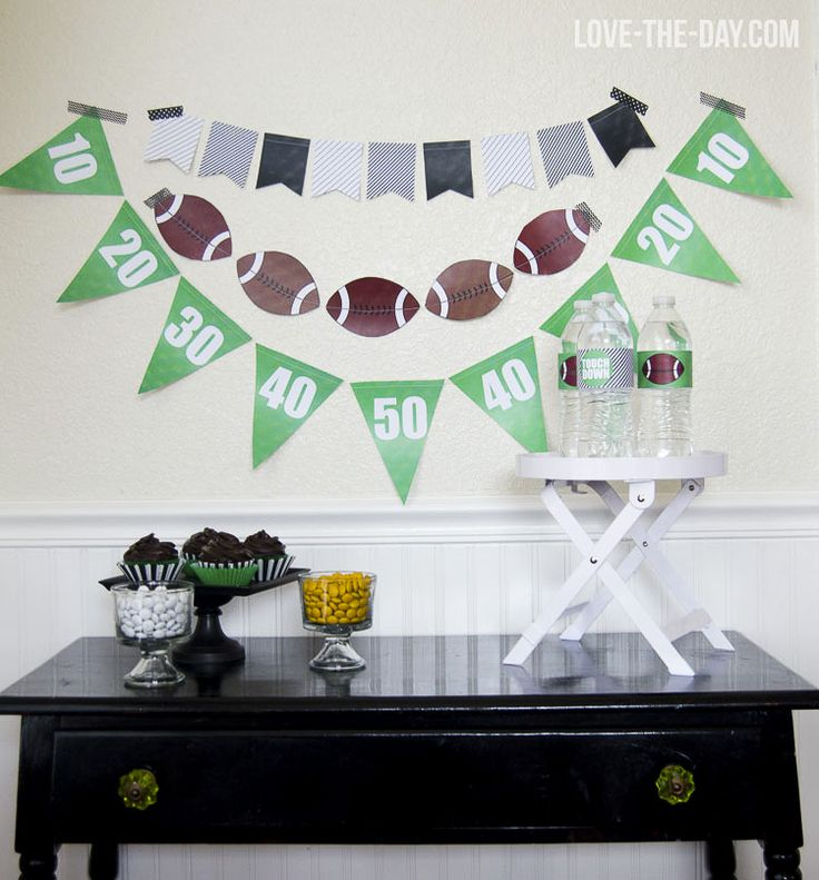 You're at the 30, the 20, the 10… TOUCHDOWN! Celebrate football Sunday with game day crafts and printables. Love The Day also makes it easy to remember to stay hydrated with water bottle football printable wraps. Go team! Go!