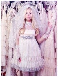 #novias #brides #vintage #Romantic #dress #white #fashion  http://www.immacle.com
