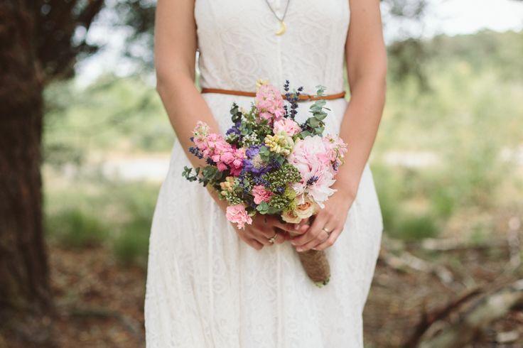 Bruidsboeket in pastel. Paars, roze, lila.