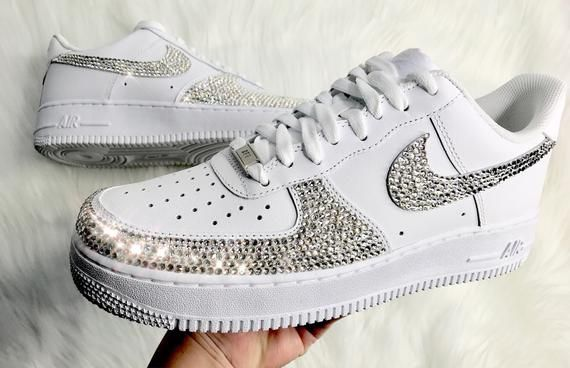 miseria Haz todo con mi poder miseria  Men's Swarovski Nike Air Force 1 With Swarovski Crystals Men's White Custom  Sneakers in 2020 | Nike air force, Swarovski nike, Nike air