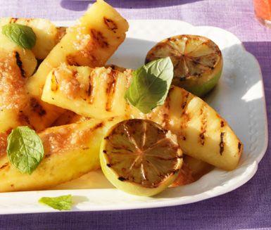 Grillad ananas med kokoshonung