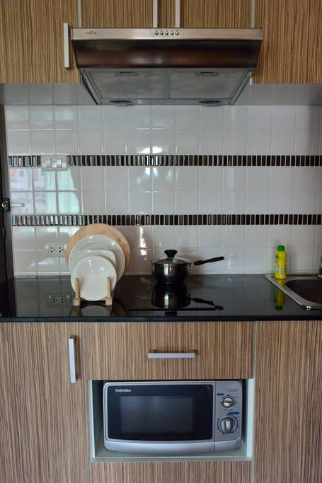 Apartment in Amphoe Mueang Chiang Mai, Thailand. 5mins walk from Nimmanhaemin road, equipped with pool, gym, kitchen, washer/dryer $481/mo - Get $25 credit with Airbnb if you sign up with this link http://www.airbnb.com/c/groberts22