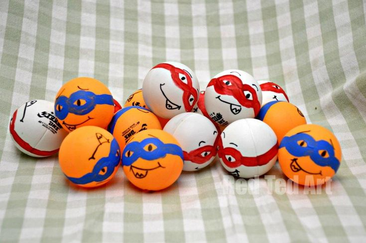Superhero party games - ping pong superheroes for a ball and spoon race!