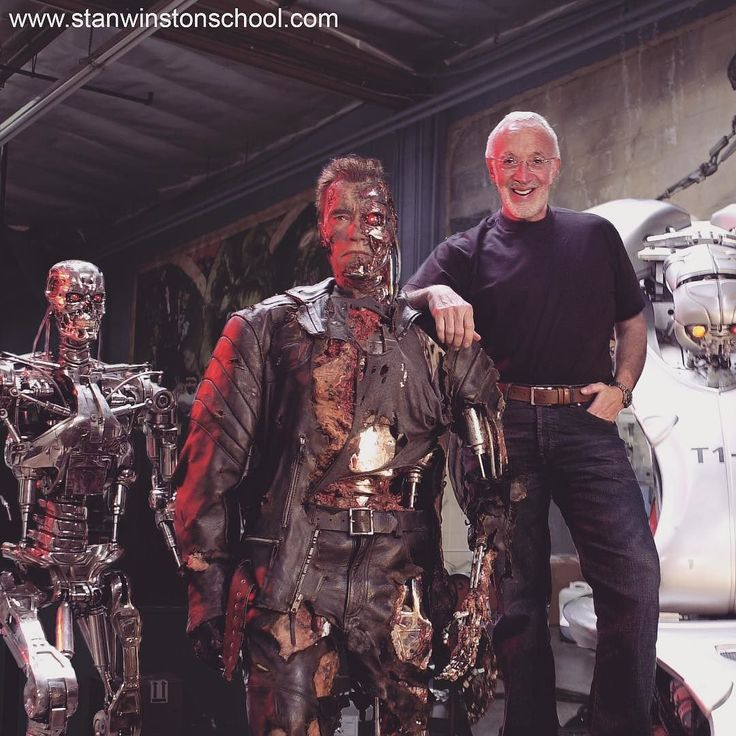 Real Robots are Cool! CYBER MONDAY SALE at Stan Winston School is COOL TOO! 30% OFF EVERYTHING (Streams DVDs Subscriptions and Merch) with Promo Code: CYBERMONDAY! LINK IN BIO! Image: Stan Winston with his incredible Terminators at Stan Winston Studio. #cybermonday #sale #cyber #robot #terminator #stanwinston #stanwinstonstudio