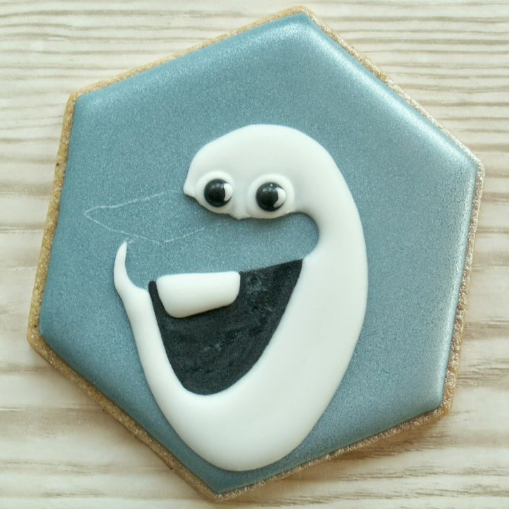 olaf cookie tutorial | Olaf From Frozen Outline  Because I know the day is coming, when someone will ask for Frozen cookies!