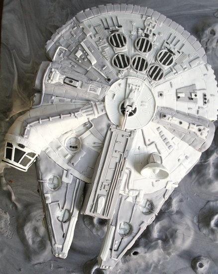 Millennium Falcon cake...wow!  Hello grooms cake, or Star Wars wedding!
