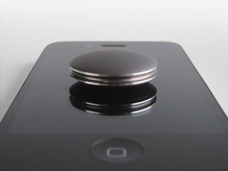 Just place on your iPhone to sync - no wires, no Bluetooth pairing. http://misfitwearables.com/shine