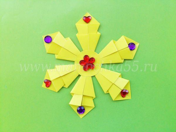 Как сделать новогоднюю снежинку из простых модулей