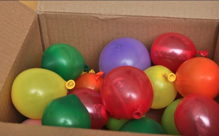 Money gift balloon game