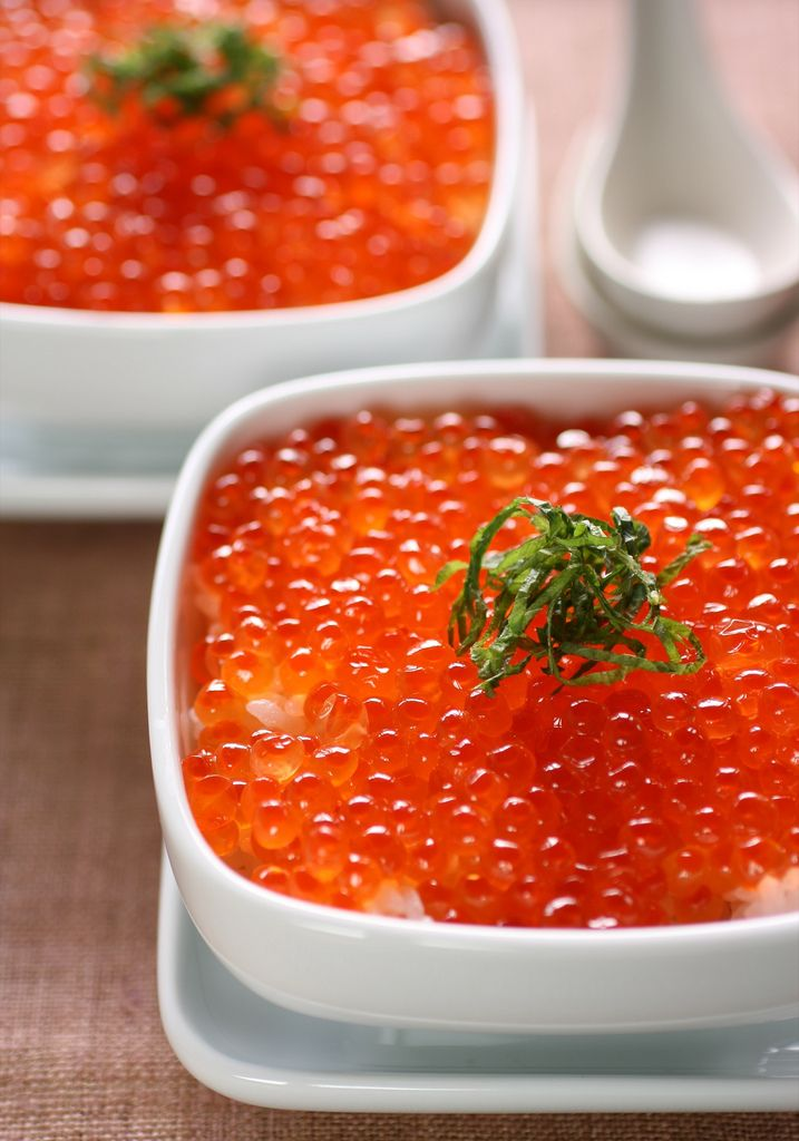 https://flic.kr/p/4tTQtV | ikura-don | ikura-don is a kind of rice dish. 'ikura' is salmon roe. Even if it's Japanese calorie bomb, I love ikura-don!