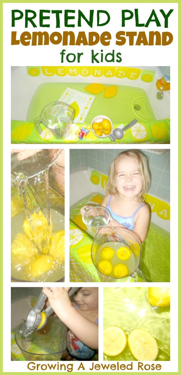 Set up a pretend play lemonade stand in the bath  for loads of fun and sensory exploration!