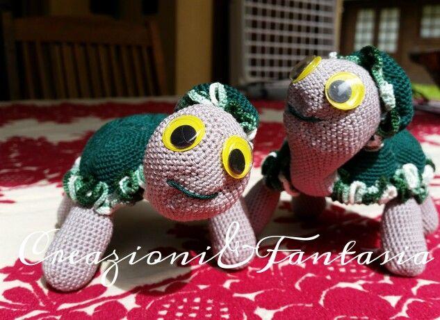 #uncinetto #crochet #amigurumi #handmadewithlove #handmade #handmadeinitaly #fattoamano #artigianatoitaliano #creazioniefantasia  #picoftheday #madeinitaly #artigianato #fattoamanoconamore #accessori #accessories #tartarughe #turtle