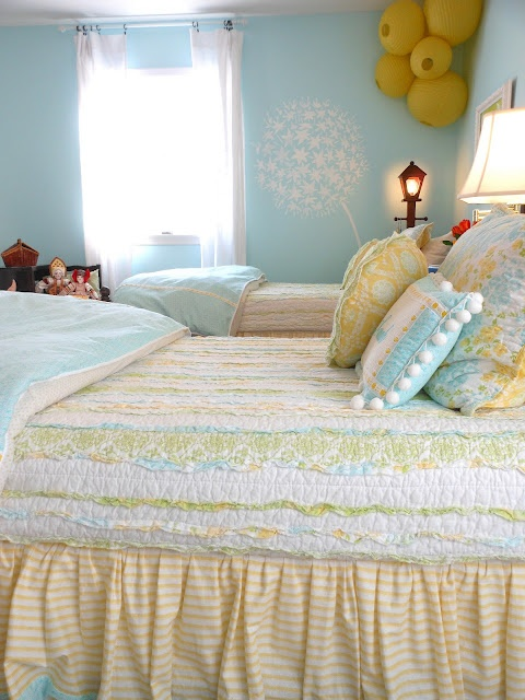 gorgeous set of twin beds with pretty light bright happy bedding: Yellow Bedrooms Girls, Beds Rooms, Bedrooms Design, Blue And Yellow Girls Bedrooms, Twin Beds, Colors Schemes, Girls Blue And Yellow Bedrooms, Yellow Girls Rooms, Kids Rooms