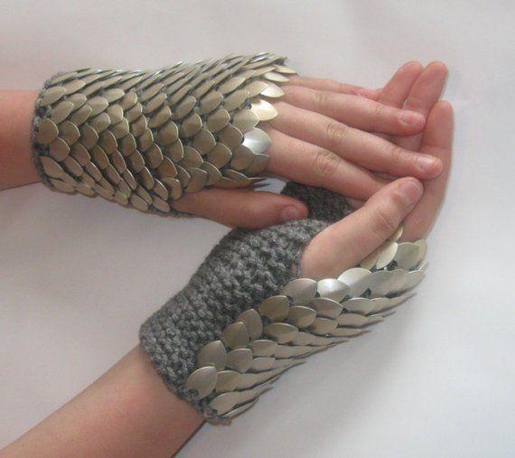 Dragonhide Gauntlets knit Fingerless Gloves