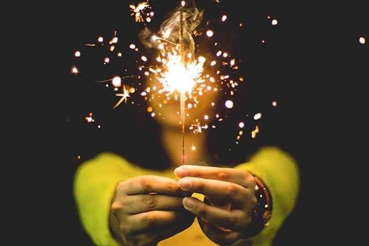 Картинки по запросу hand fireworks