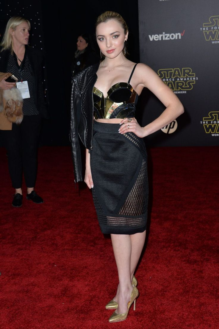 Peyton List at the Star Wars: The Force Awakens premiere