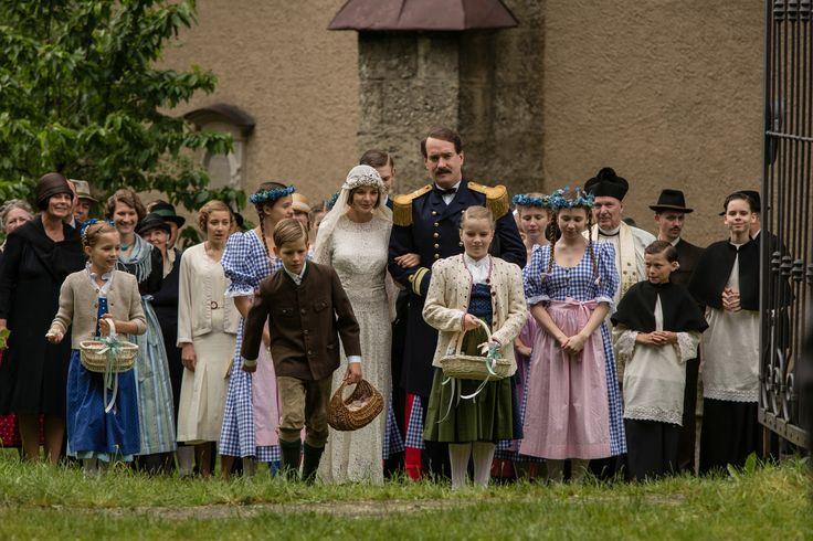 """Georg von Trapp (Matthew Macfadyen) heiratet Maria Gustl (Yvonne Catterfeld) in """"Die Trapp Familie"""" - ab dem 12. November im Kino! #TrappFamily #kino #SoundOfMusic"""