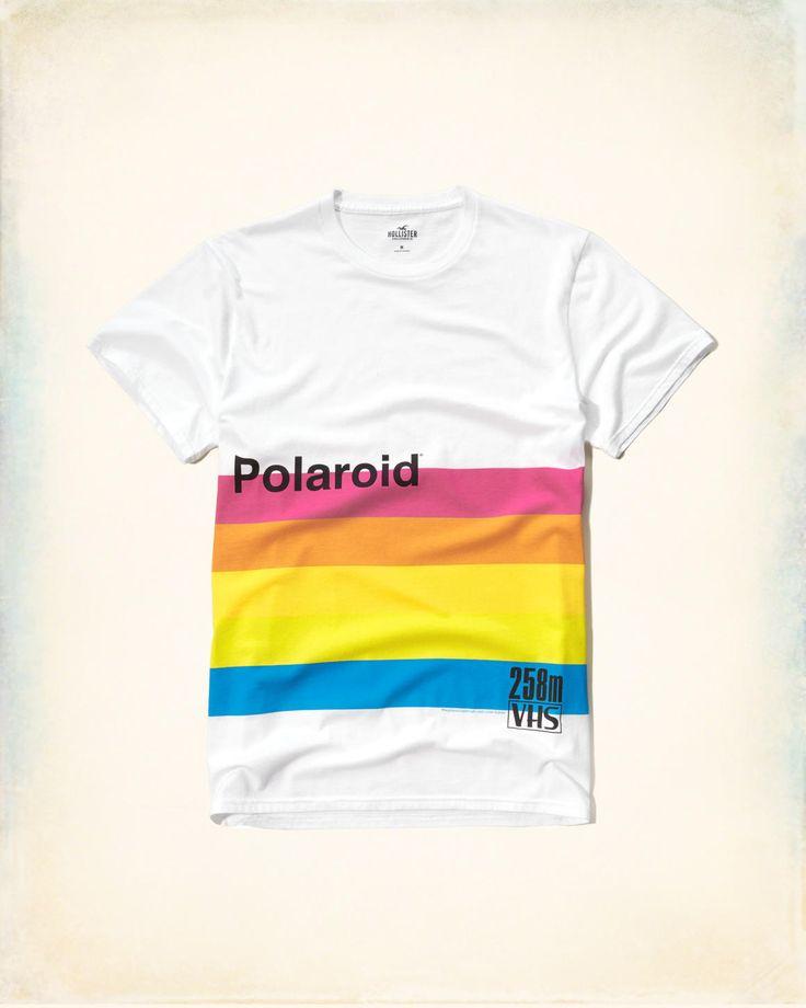 Hollister ha collaborato con Polaroid per offrirti queste magliette stampate…