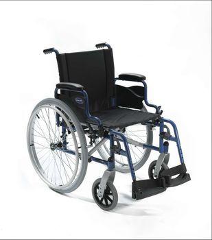 Invacare ACT1 - la #carrozzina #pieghevole con telaio in acciaio con ruote grandi