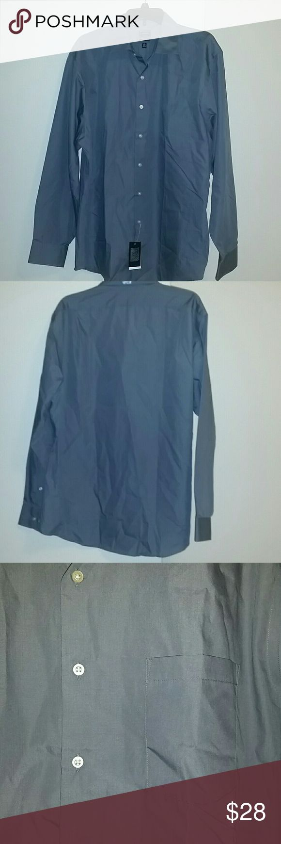 *NWT* Mens Fitted Button Down Arrow Shirt *NWT* Mens fitted button down Arrow Shirt, size 17.5 34-35. Long sleeves, gray color, and No Iron. Arrow Shirts Dress Shirts