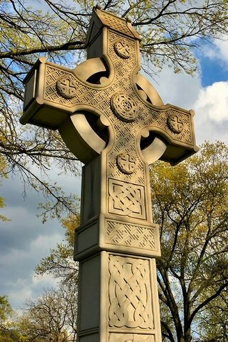I have no idea what the article attached to this image was trying to say but this is a lovely example of a Celtic Cross
