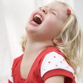 Qué hacer si el niño tiene una baja tolerancia a la frustración. Se trata de niños exigentes, que no manejan bien sus emociones, impulsivos y poco flexibles. En Guiainfantil.com te contamos qué hacer para que los niños acepten la frustración cuando no pueden cumplir sus deseos.