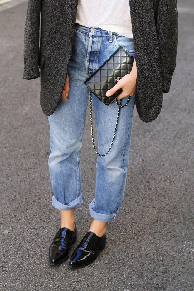 white shirt, boyfriend jeans, leather flat shoes, black blazer, chanel bag