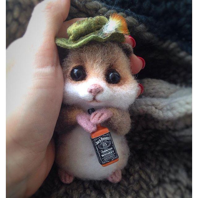 Cute Needle felting wool cute mouse (Via @ladyaromanova)