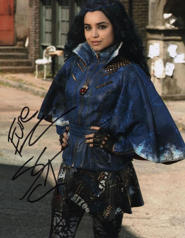 Details About Quot Descendants Quot Sofia Carson Signed 8x10